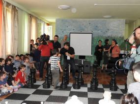 თბილისის N198 ბაგა-ბაღს ჭადრაკში მსოფლიოს ხუთგზის ჩემპიონი მაია ჩიბურდანიძე ესტუმრა